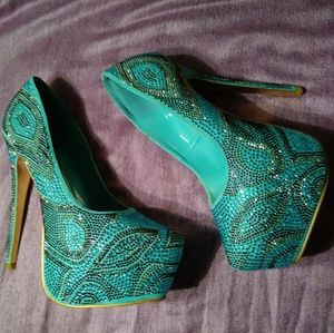 Brand New Evening Pumps Sz 10
